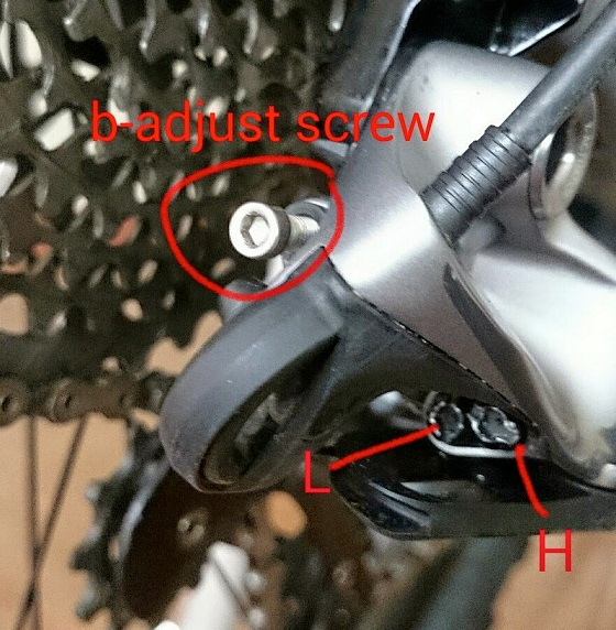 b-adjust-screw.jpg