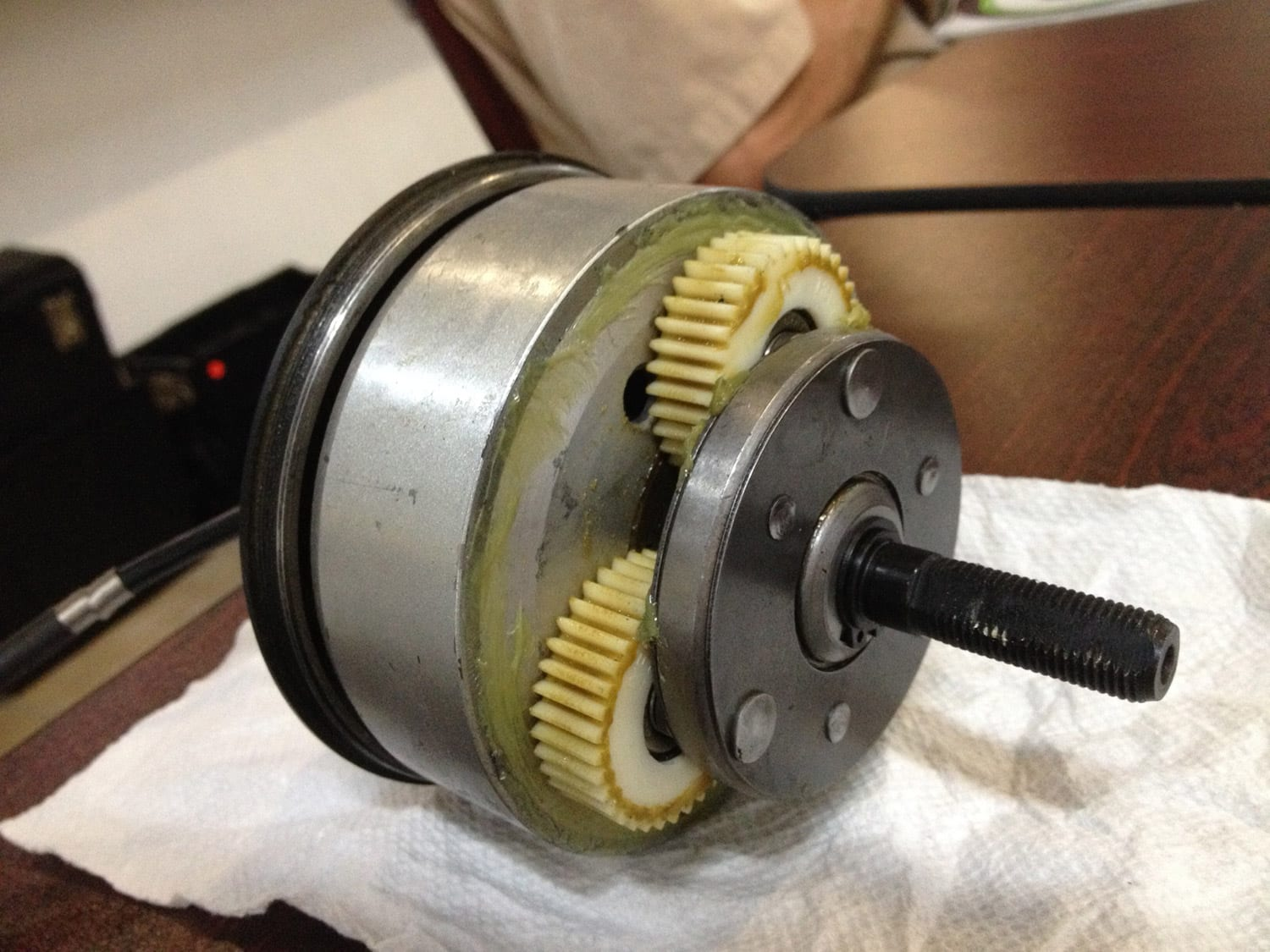 What s the difference between electric bike motors for Small geared electric motors