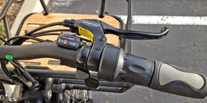 2014 Izip E3 Metro Twist Throttle