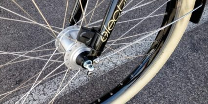 Electra Townie Go 2014 Front Hub