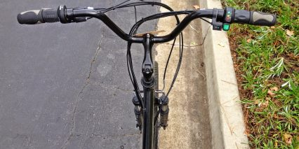 Izip E3 Vibe Riser Bar Throttle