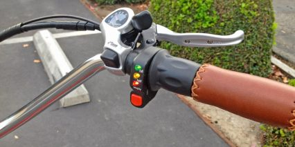 Pedego Classic Comfort Cruiser Shifter And Throttle