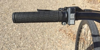 2016 Raleigh Misceo Ie Flat Rubber Grips