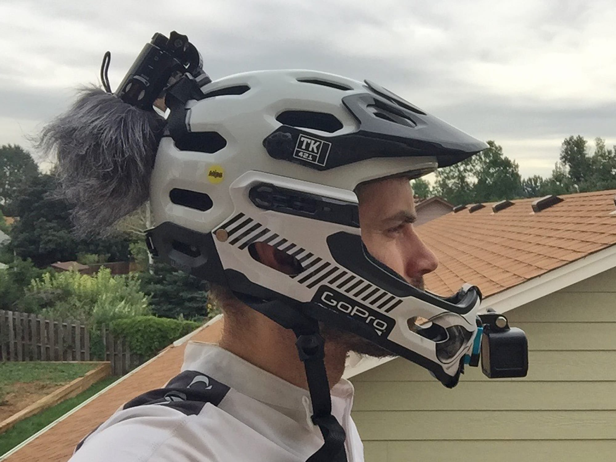 Bell Super 2r Mips Helmet Review Prices Specs Videos