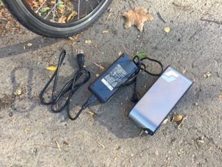Surface 604 Yunbike C1 2 Amp Charger And Battery Pack