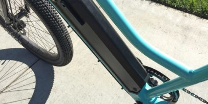 Juiced Bikes Ocean Current Removable Downtube Battery Step Thru