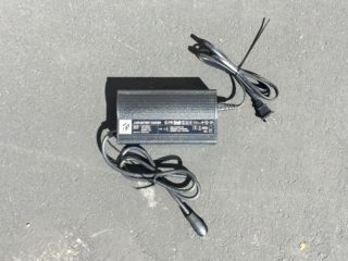 Raleigh Redux Ie Portable 2 5 Amp Battery Charger