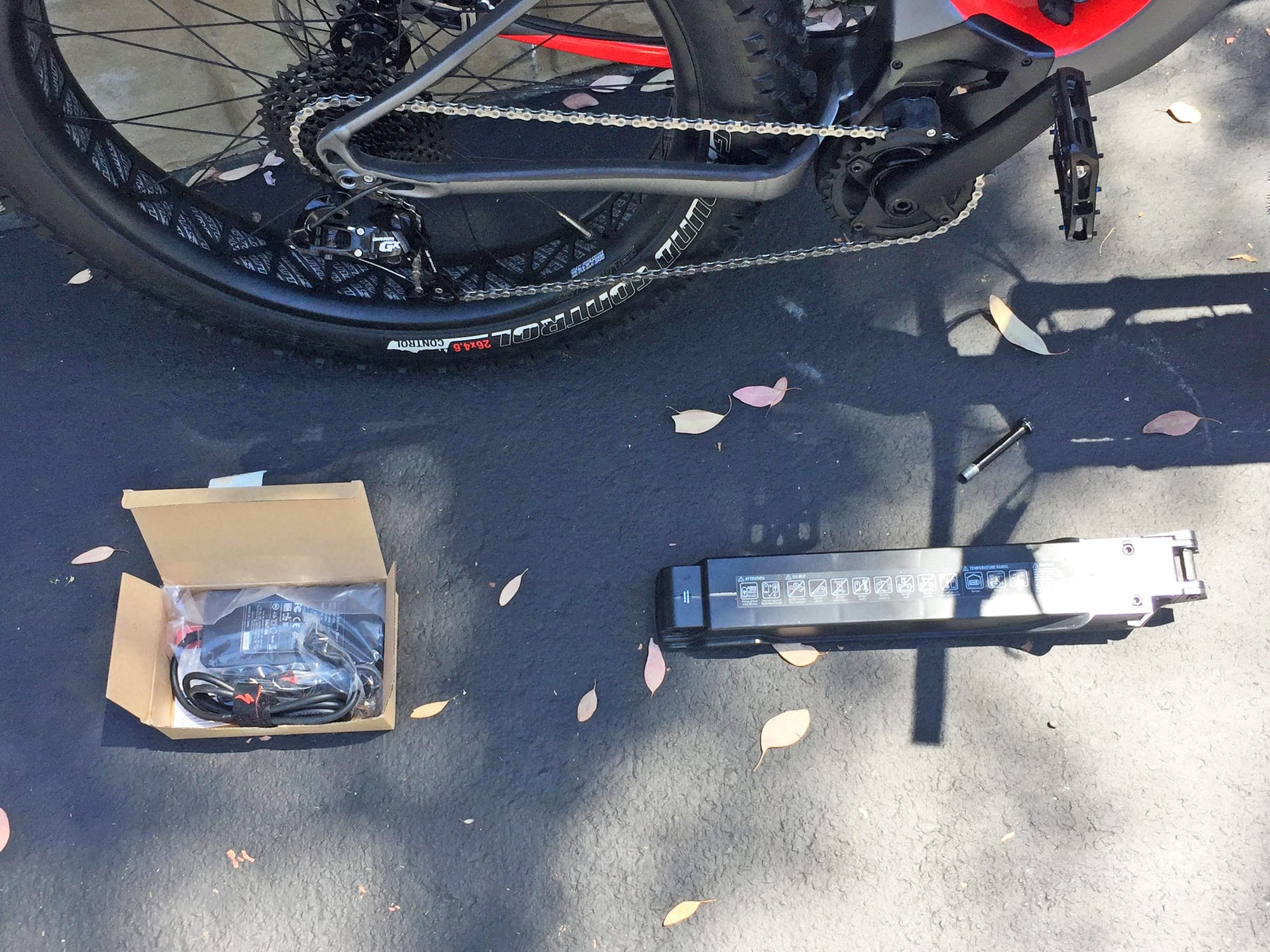 SPECIALIZED Narrow Under Rail Saddle Bag with New Tube and New Red EMT Tire Tool