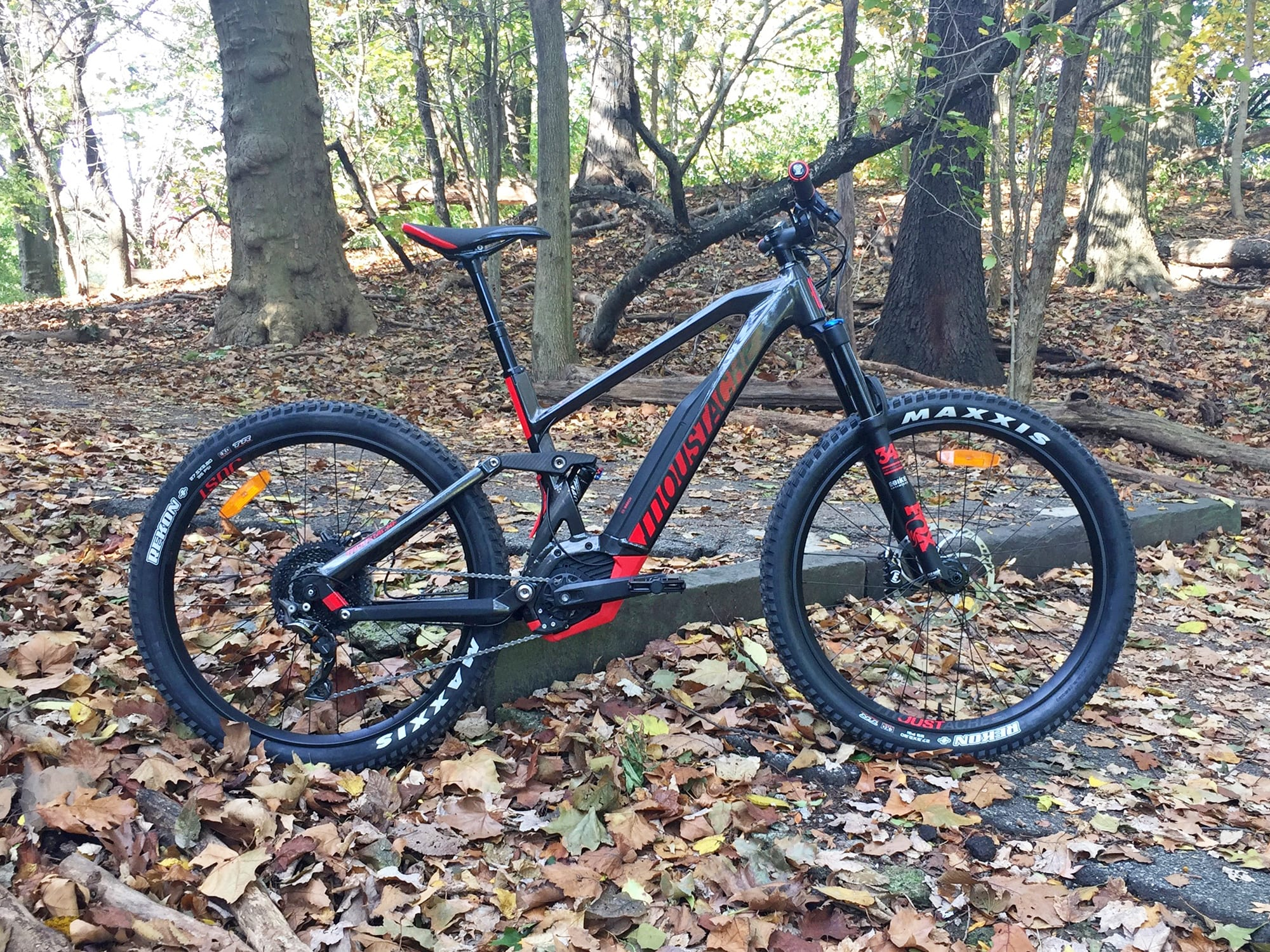 Assez Moustache Samedi 27 Trail 8 Review - Prices, Specs, Videos, Photos AW79
