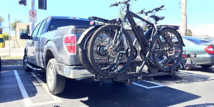 Juiced Ripcurrent S Thule Hitch Bike Rack