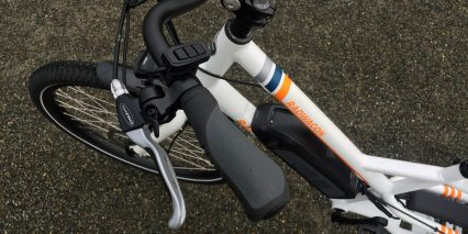 2019 Rad Power Bikes Radwagon Controls And Ergonomic Handlebar Grips