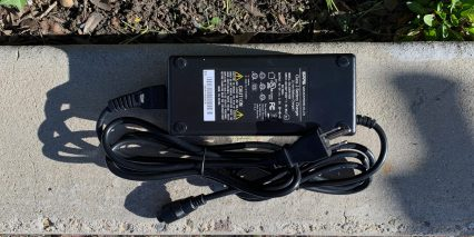 Izip E3 Simi 1 8 Amp Battery Charger