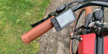 2019 Ariel Rider N Class Stiched Leather Grips Display