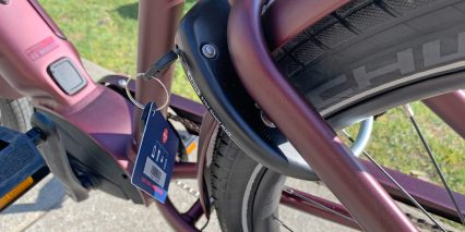 Electra Townie Path Go 10d Eq Abus Frame Lock Keyed Alike To Battery