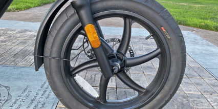 Juiced Bikes Hyperscorpion Innova Street Tire On Cast Alloy Wheels